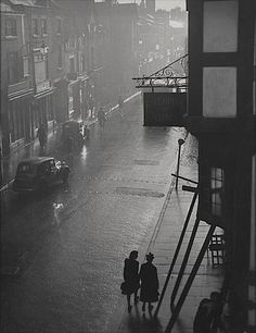 Rainy Day in Chester, 1947  thanks to luzfosca