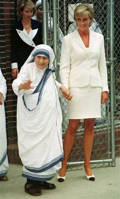 Two of the most amazing women ever! One of my FAVORITE pictures. I love the differences between them, and yet they both did things that changed the world. Each woman beautiful in their own way.