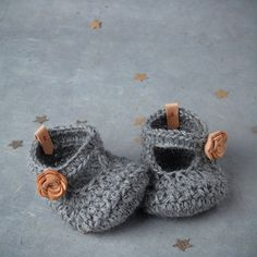 alpaca wool baby booties with leather flower
