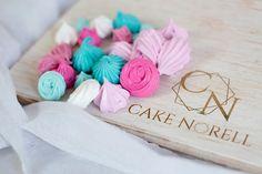 #cakenorell #spring #meringue Meringue, Place Cards, Place Card Holders, Spring, Cake, Merengue, Kuchen, Torte, Cookies