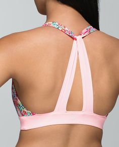 Lululemon Shanti Surf Cross Back Top Cute Workout Outfits, Womens Workout Outfits, Sporty Outfits, Athletic Outfits, Diy Bra, Fashion Terms, Gym Style, Fashion Sewing, Dance Outfits