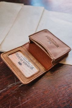 Throw in what you need and go with the Denver Satchel Wallet. It's the perfect sized wallet for any weekend getaway. Leather Wallet Pattern, Sewing Leather, Leather Craft, Simple Wallet, Coin Wallet, Designer Wallets, Minimalist Wallet, Leather Projects, Leather Journal