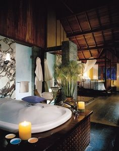 Your bubble bath for two is drawn. Doesn't this @Mandy Bryant Dewey Seasons Resort Carmelo hideaway have a romantic tropical tree-fort feel?