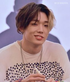 iKON Bobby Bi Rapper, Bobby, Hot Bling, Bling Bling, Ikon Debut, Pose Reference Photo, Kim Ji Won, Hip Hop, Kim Hanbin