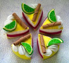 alfiletero tarta de limón  fieltro,abalorios cosido a mano