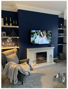 Navy Living Rooms, Dark Blue Living Room, Blue Living Room Decor, Living Room Color Schemes, Living Room Grey, Home Living Room, Blue Feature Wall Living Room, Dark Blue Rooms, Living Room Wall Colours