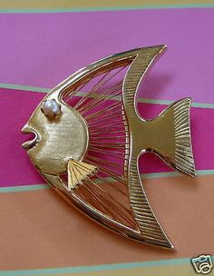 Fabulous #angel fish brooch #w/pearl #eye~spinneret~1960's,  View more on the LINK: 	http://www.zeppy.io/product/gb/2/190346476967/