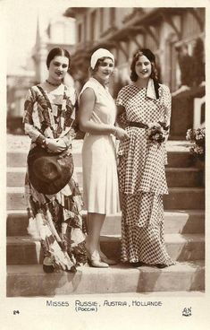 1930 Miss Russia, Austria & Holland--l'esprit swing's vintage fashion style photo print ad models beauty queens long day dress 30s