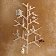 Wooden Wall Tree -- simplest, cutest Christmas tree!
