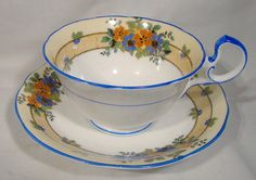 Aynsley Floral Tea Cup and Saucer English Bone China Teacup Vintage China, Vintage Tea, Vintage Room, Susie Cooper, Riced Veggies, Bone China Tea Cups, My Cup Of Tea, Cup And Saucer, Milk Recipes