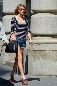 Taylor Swift Mini Skirt - Taylor Swift Looks - StyleBistro