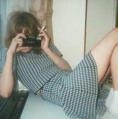 Aesthetic Vintage, Aesthetic Photo, Aesthetic Pictures, Fotografia Retro, Estilo Retro, Best Friend Pictures, Film Photography, People Photography, Retro Vintage