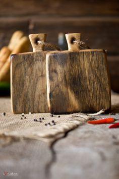 Vintage style serving boards. Stunning! #cuttingboard / Taglieri in stile antico. Favolosi! #tagliere
