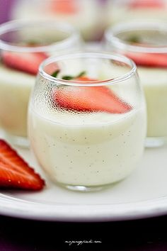 Domowy budyń z wanilią Polish Desserts, No Bake Treats, Cupcake Cakes, Panna Cotta, Cake Recipes, Food And Drink, Sweets, Cooking, Healthy