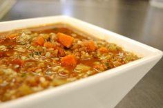 Hearty Lentil and Rice Soup  #veginout #lentil #soup #rice #vegansoup #vegan #vegetariansoup #lentilsoup