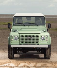 45 Photos Guaranteed To Make You Want A Land Rover Defender | Airows