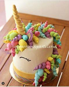 Date and nut cake - HQ Recipes Unicorn Birthday Parties, Birthday Cake, Unicorn Party, Unicorn Cake Topper, Unicorn Cakes, Unicorn Head, Rainbow Unicorn, Fondant Cakes, Cupcake Cakes