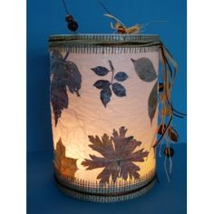With pressed leaves from the garden a beautiful natural lantern s . - Make a beautiful natural lantern yourself with pressed leaves from the garden. Winter Crafts For Kids, Diy Crafts For Kids, Fun Crafts, Unique Candles, Diy Candles, Pressed Leaves, How To Make Lanterns, Crafts For Seniors, Ideas
