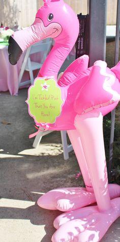 Flamingo birthday party; flamingo party decorations