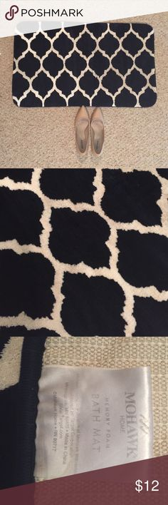 """Memory foam bath/kitchen mat (Shoes for scale, not included) Super soft! Dark navy blue & white Moroccan pattern. Has been used, only """"damage"""" is some discoloration on the white (see first and last photos) but would come out with a wash 😊 I have 2 left, the price is for one but we could work out a deal for both if you'd like 💕 Other"""