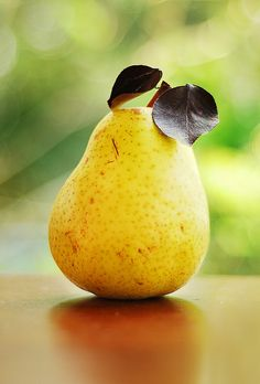 Pears - juicy, delicious and just ripe for kiddiwinks ...
