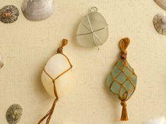 Tutoriale DIY: Cómo hacer colgantes con cristales de playa vía DaWanda.com