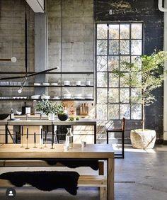 43 best ideas for apartment industrial loft warehouse living Industrial Kitchen Design, Industrial Design Furniture, Vintage Industrial Furniture, Industrial Interiors, Industrial Bedroom, Modern Interiors, Kitchen Interior, Room Interior, Loft Kitchen