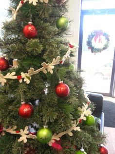 #HolidayTip - At work everyone signs a Christmas ball ornament  -  Everyone enjoys this easy DIY, it's fun and festive!