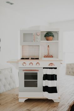 DIY FARMHOUSE PLAY KITCHEN DO IT YOURSELF PRETEND KITCHEN