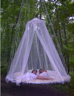 Maybe a trampoline frame could be used to make this bed for the outdoors, what wonderful bliss for my backyard at the new home. Outdoor Hanging Bed, Outdoor Beds, Hanging Beds, Canopy Outdoor, Diy Canopy, Outdoor Bedroom, Hanging Lights, Outdoor Furniture, Canopy Crib
