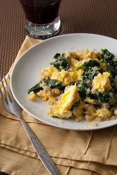Quinoa Egg and Spinach Scramble #healthy #quinoa #recipes http://greatist.com/eat/breakfast-quinoa-recipes