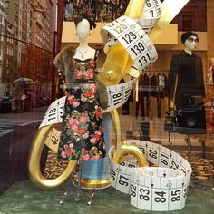 "DOLCE&GABBANA, New York, ""Note: this tape can't measure actual greatness"", photo by Silvana S. Franca, pinned by Ton van der Veer"