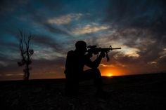 Military Soldier Gun Silhouette Sunset Wallpaper