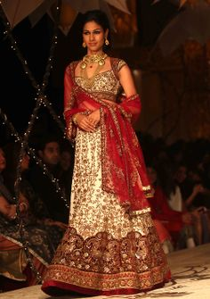 bollywoodishtyle: India Bridal Fashion Week... - POC-CREATORS