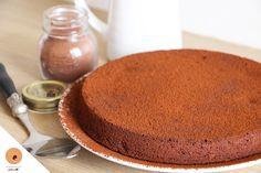 Une recette de délicieux gâteau moelleux au chocolat sans aucune matière grasse! Découvrez comment une simple courgette peut vous changer la vie!