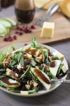 Cheddar & Apple Winter Salad with Balsamic-Feta Vinaigrette | www.bakeyourday.net
