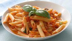 pasta in red sauce, Pasta With Tomato Sauce, recipe of pasta with red sauce, Pasta with fresh tomato sauce, easy recipe of pasta with tomato sauce, Ingredients For Pasta in Red Sauce, pasta, tomatoes, How To Make Pasta With Tomato Sauce, easy supper pasta