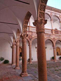 Castillo de La Calahorra (Granada) -  patio interior Spain