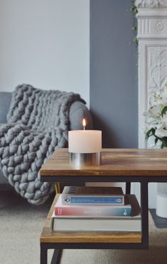 It's gonna be lit tonight 🔥 Autumn means cosy nights in with candles chunky arm knitted blankets, books and a big cup of hot chocolate
