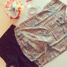 Misturinha boa!!! T-shirt de seda + short jeans black, os acessórios completam em cheio, né não?! #vempraterradagaroa #vistaessaenergia #lookdodia #lookdodia #mistura #seda #jeans #estampa #estilo #ecessórios #cores #liquida #sale #preçobom #natureza #eco #ecoera #ecolife #sustentável #sãopaulo #brasil #terradagaroa #promoção #slowfashion #fashion #ecommerce #site #terça #charme #conforto #elegância