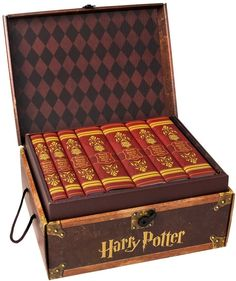 Juniper Books Harry Potter Book Set in Hogwarts Trunk