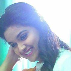 Keerthi Suresh Beautiful Eyes, Simply Beautiful, Beautiful Images, Keerthy Suresh Hot, Kirthi Suresh, Most Beautiful Indian Actress, South Indian Actress, Indian Designer Wear, Pretty Face