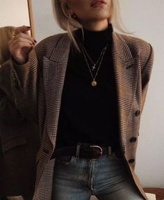 Plaid Blazer Layered Necklaces Classic Black Leather Belt Vintage Levi's Black Turtleneck Effortless outfit ideas cool girl outfits must have basics Blazer Outfits Casual, Sweater Outfits, Turtleneck Outfit Work, Dress Outfits, Turtleneck With Blazer, Outfits With Turtlenecks, Black Turtleneck Outfit Winter, Women Blazer Outfit, Stylish Outfits