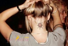 The art of the Neck Back tattoos for Girls think you really that sexy? The neck and neck, is well known that sensory part of the body, is positioned at this point are certainly sexy tattoos. Small Neck Tattoos, Neck Tattoos Women, Girl Neck Tattoos, Sun Tattoos, Trendy Tattoos, Forearm Tattoos, Tatoos, Globe Tattoos, Latest Tattoos