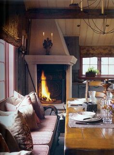 Bread & Olives (uniqueshomedesign: Gorgeous fireplace.. charisma...)
