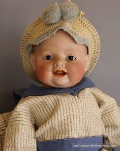В моей небольшой коллекции нет куклы-мальчика. Не потому что не хочется, просто видимо не нашёлся ещё мой мальчик. Остается бесспорным