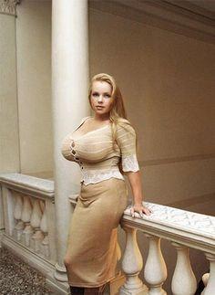Arianna sinn boobs