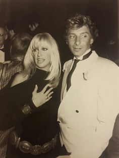 Barry Manilow and Suzanne Somers . Suzanne Somers, Barry Manilow, Are You The One, Besties, Famous People, Singers, Magic, Board, Singer