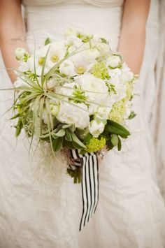 white and green bouquet by HeavenlyBloomsDesigns.com shot by KristaMason.com