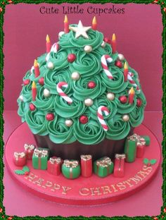 Giant Christmas Tree Cupcake- Made using the big cupcake pan. Giant Cupcake Cakes, Large Cupcake, Wedding Cakes With Cupcakes, Cupcake Wedding, Cupcake Pans, Cupcake Frosting, Christmas Tree Cupcakes, Christmas Sweets, Christmas Cooking